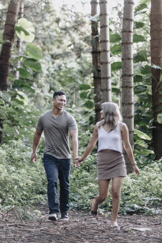 oahu hawaii engagement portrait photographer tantalus 16