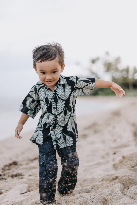 oahu hawaii family portrait photographer kahala beach 5