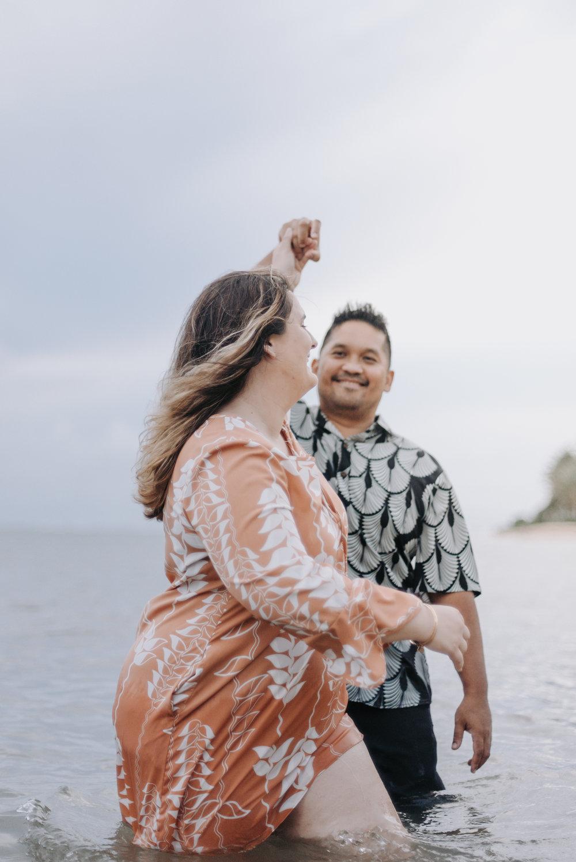 oahu hawaii engagement portrait photographer kahala beach 4