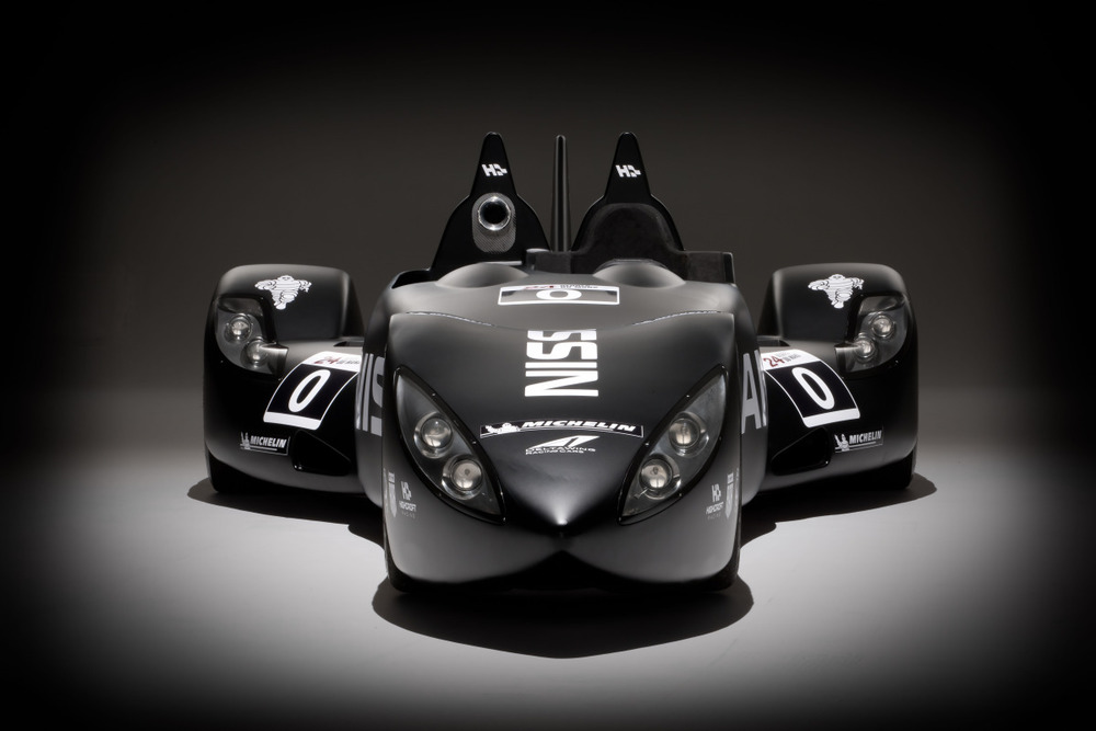 Nissan DeltaWing studio images