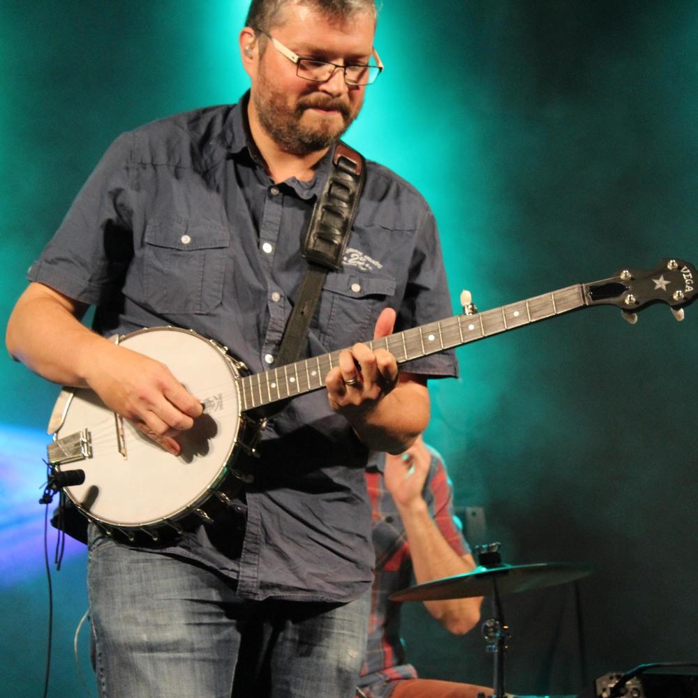 JM à fond banjo.jpg