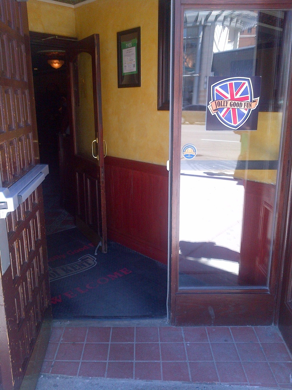 Picture of accessible doorway.