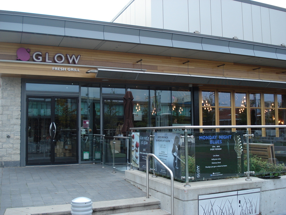Picture of accessible exterior of restaurant