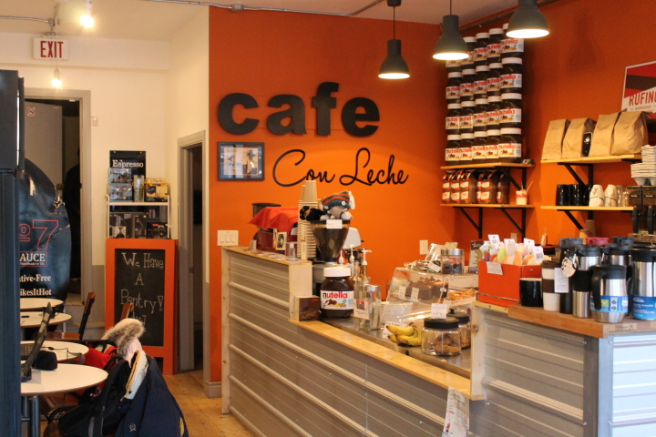 Picture of accessible interior of Cafe con Leche