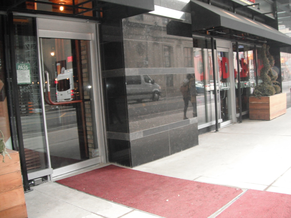 Image of accessible entrance to restaurant.