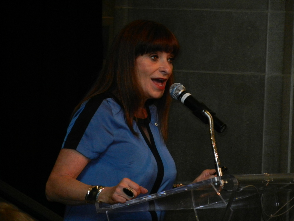 Picture of Jeanne Beker giving speech.