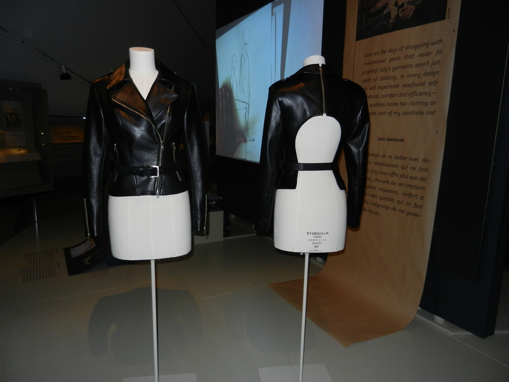 Picture of two bust forms displaying different angles of leather jacket