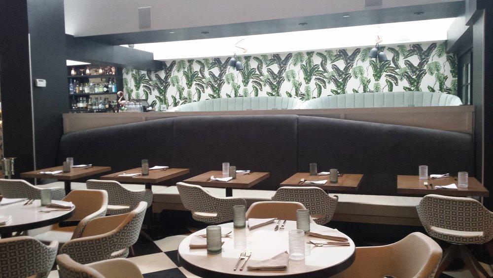 Planta dining room