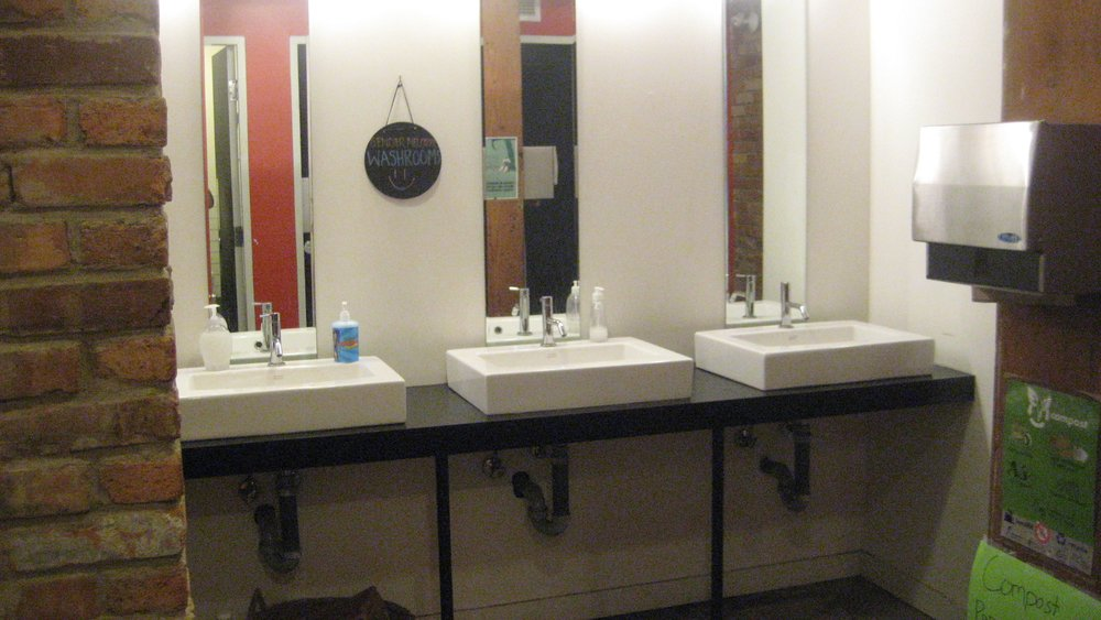 Picture of sinks in the accessible washroom