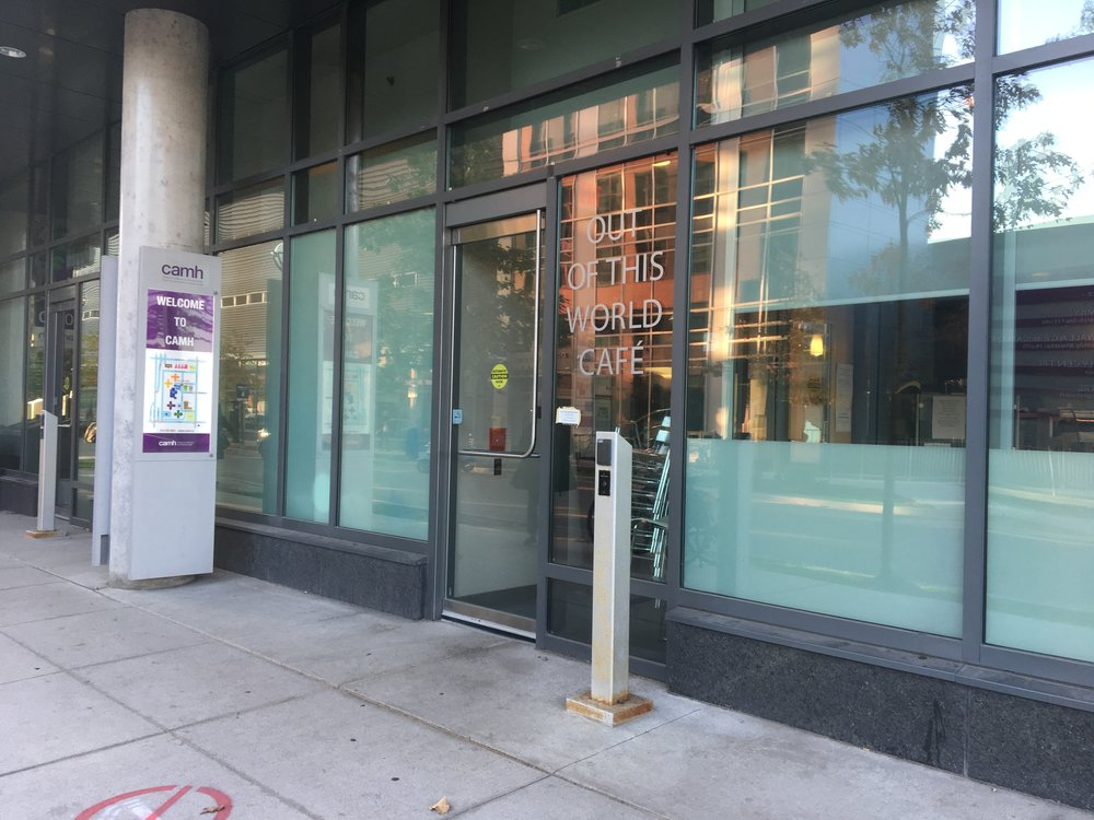 Picture of accessible entrance to the cafe