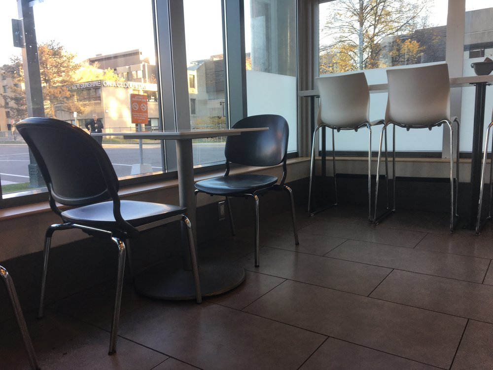Picture of accessible seating in cafe