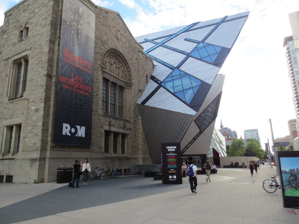 Picture of the exterior of the Royal Ontario Museum