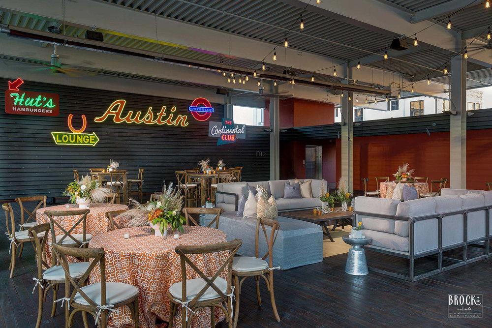 Austin lounge
