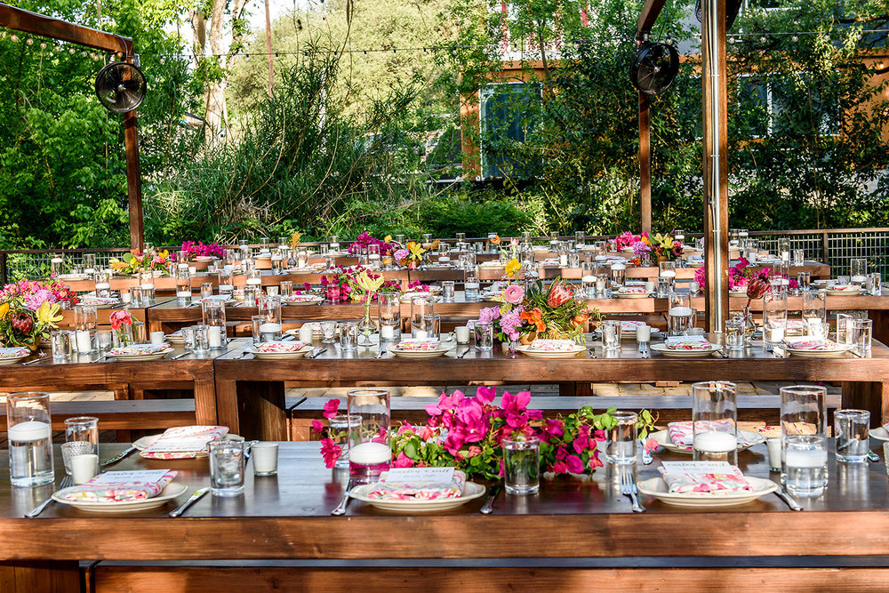 elegant outdoor tablescape