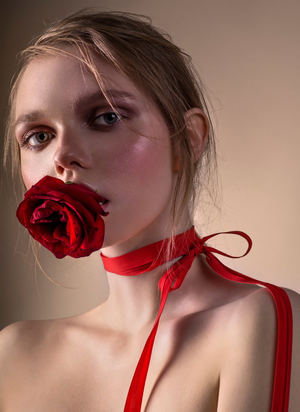 HEART ROSE - Photographer @anastasia_fashionphModel @sidelnikova_sonya  @donmodels_russiaMake-Up and Hair @nastya_usenkoStyling @kate_rahno