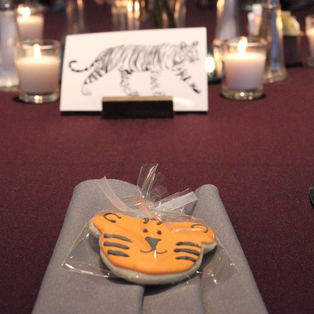 Each table was an animal and each plate setting got that animal cookie!