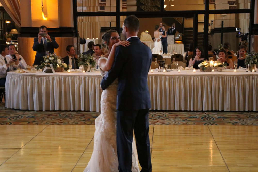 "Elizabeth & Kevin's 1st Dance ""Steady As We Go"" by Dave Matthews"