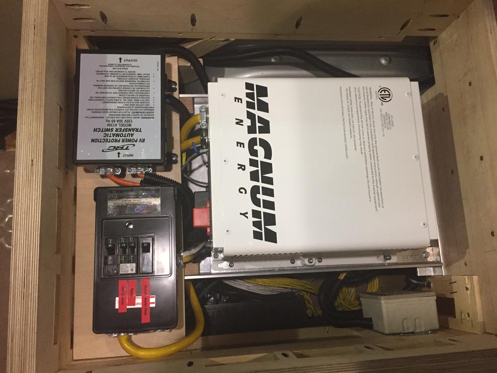 2000W Pure Sine Inverter System