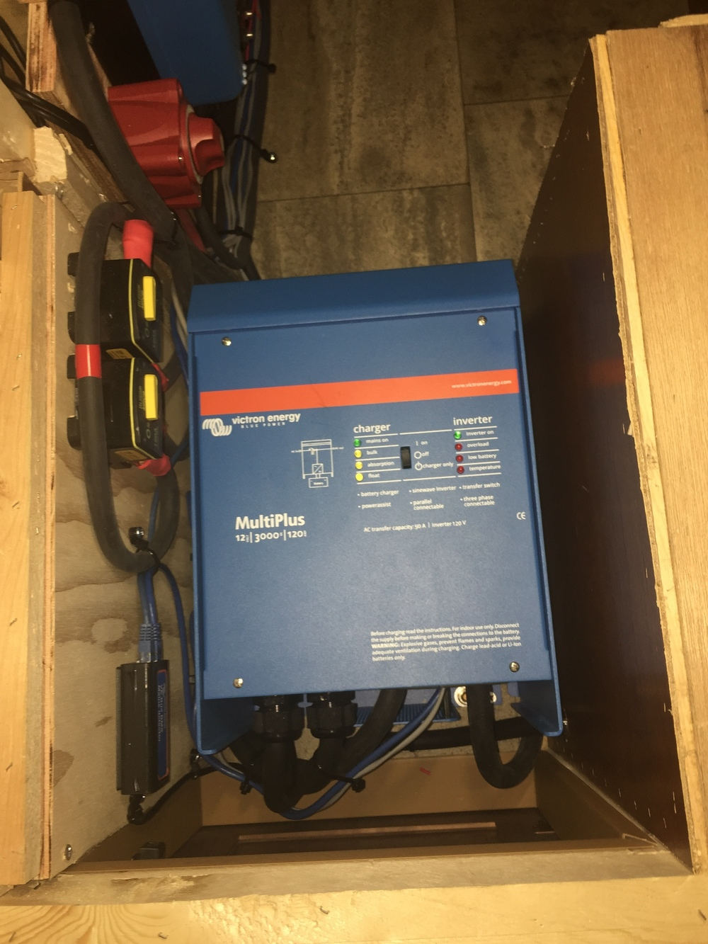 Victron Multiplus 3000VA inverter/charger