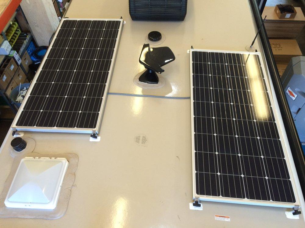 320W Solar Charging System