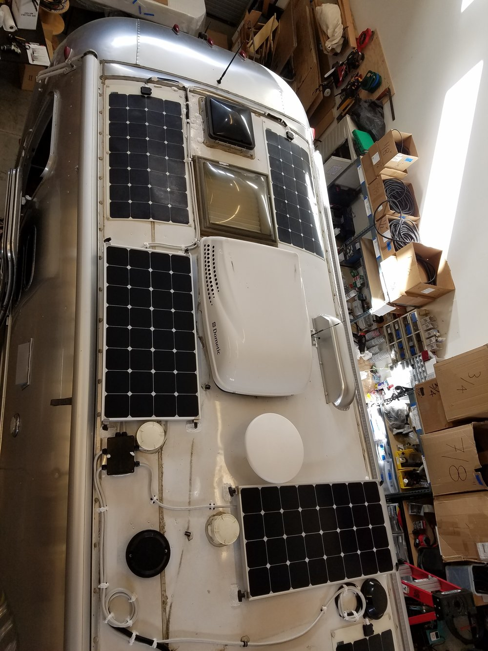Solar Panel Installation For Rvs Trailers Am Wiring Diagrams 12 Volt Kits Equipment Added 1x Nbsp600ah Signature Lithium Battery Bank W O Color Control