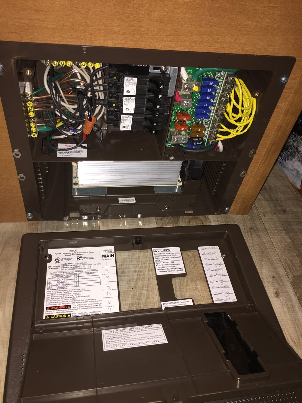 winnebago sunstar lxn  fuse panel