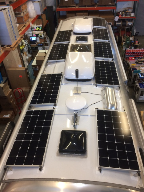 Equipment Added:  9x SP100 Solar Panel Kits 1x 600Ah Signature Lithium Battery Bank 1x SunRunner Victron MPPT 85A Charge Controller Core 1x 3000VA Victron MultiPlus Inverter/Charger Kit 1x Roof Combiner Box