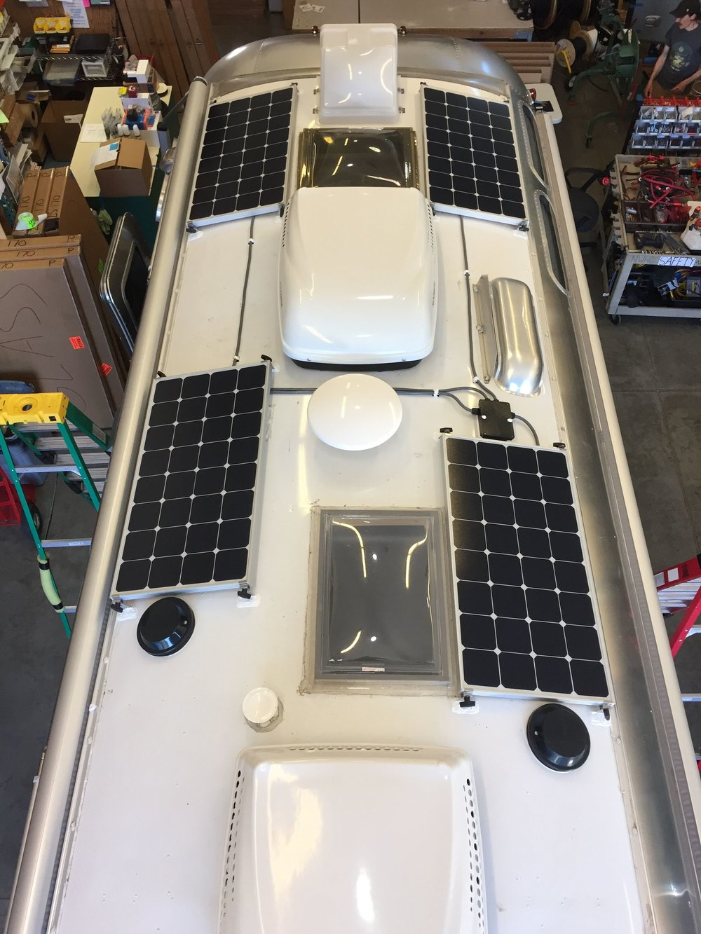 Solar Panel Installation For Rvs Trailers Am Catalina 30 Wiring Diagram 400w Array