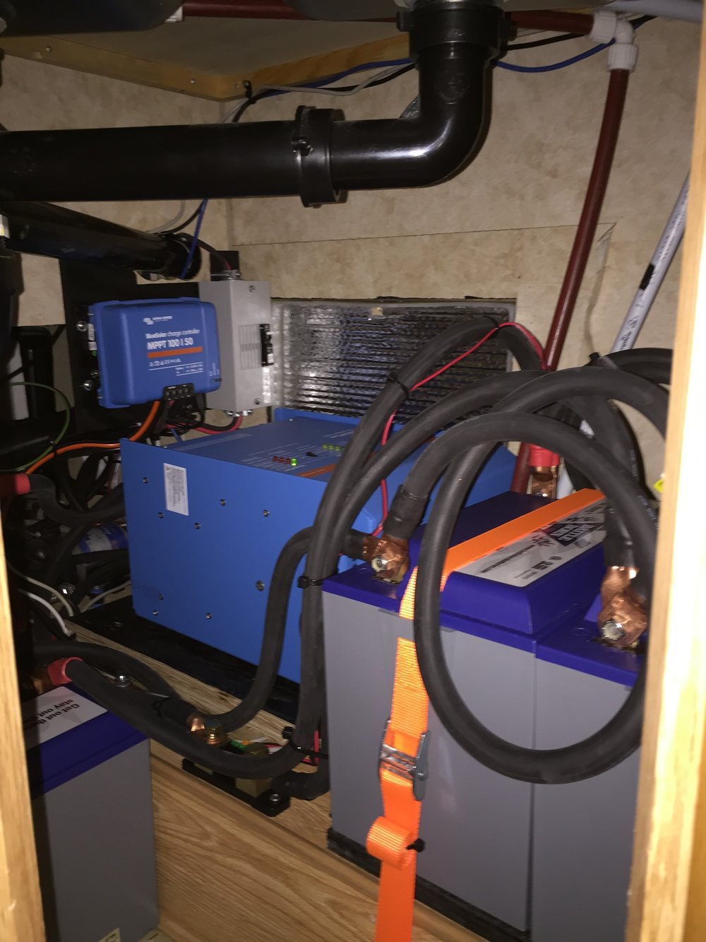 Battle Born Lithium System with a Victron SmartSolar MPPT100/30 and a Multiplus 3000VA inverter/charger