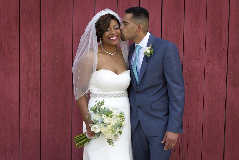 wedding, barn, wedding portrait, bride, groom