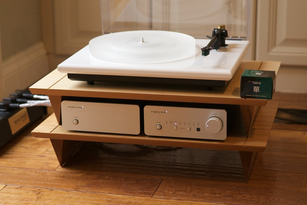 Exposure XM5 integrated amplifier, XM3 phono stage, Edwards Audio TT3 turntable and Hana EL moving coil cartridge.