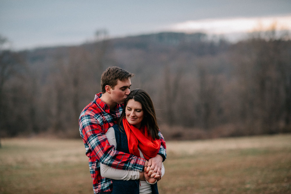 ninalilyphoto-hiddenvalleyfarm-engagement35.jpg
