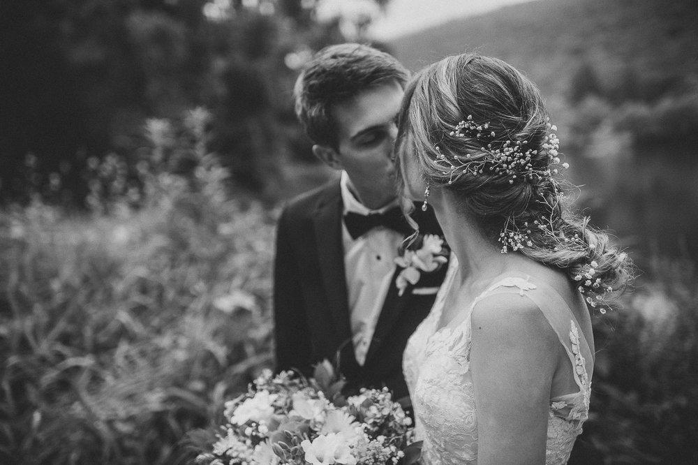 041ninalilyphoto-shawneeinn-pocono-wedding.jpg
