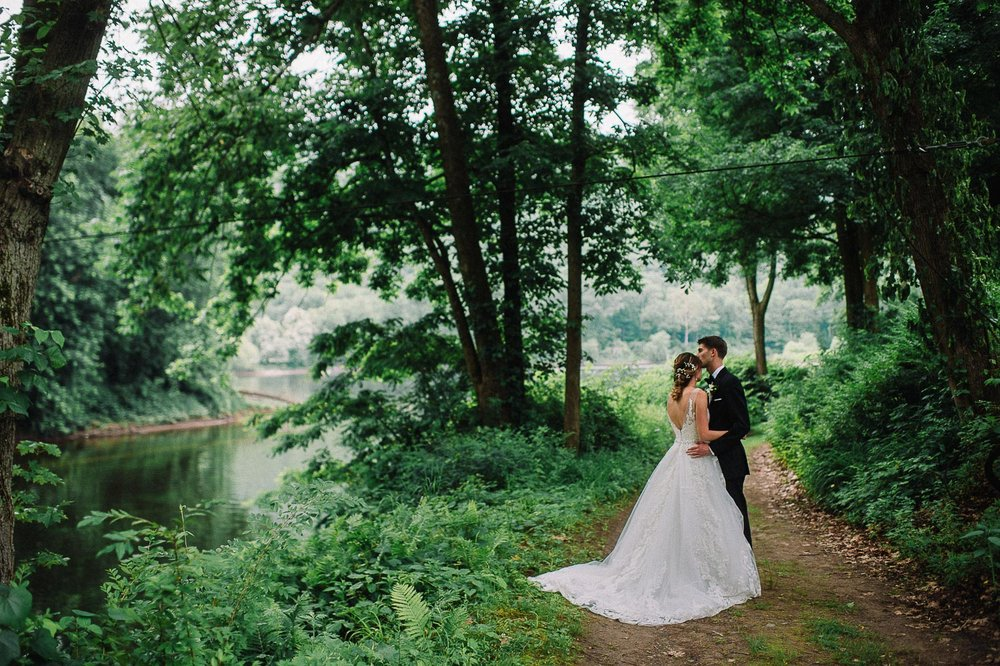 048ninalilyphoto-shawneeinn-pocono-wedding.jpg