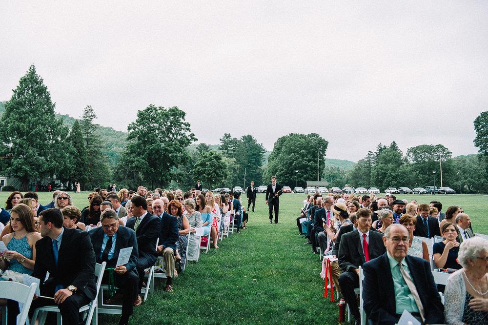 052ninalilyphoto-shawneeinn-pocono-wedding.jpg