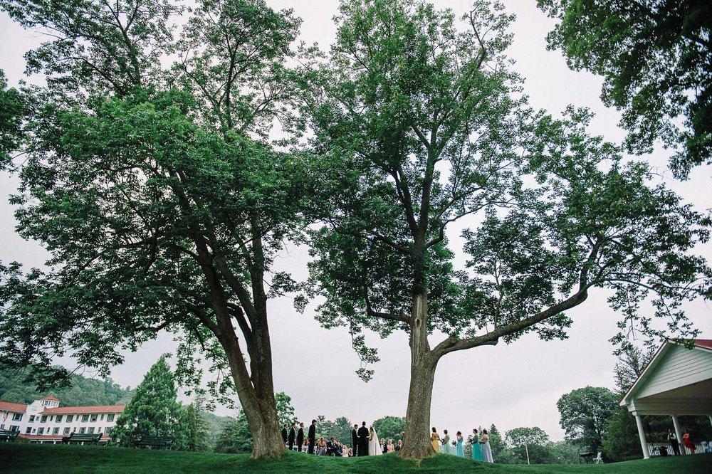 071ninalilyphoto-shawneeinn-pocono-wedding.jpg