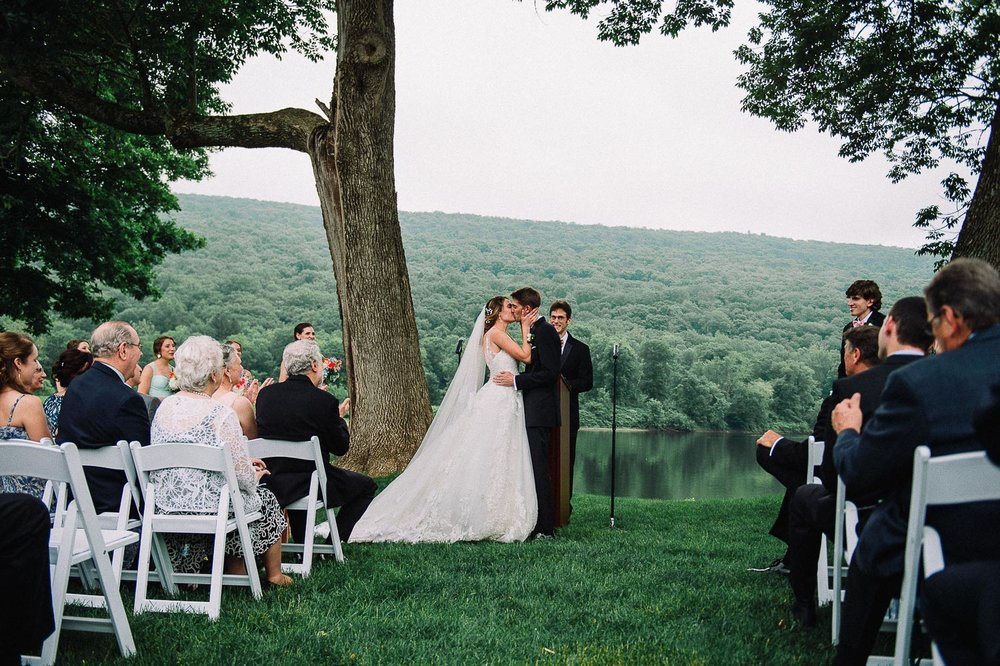 080ninalilyphoto-shawneeinn-pocono-wedding.jpg