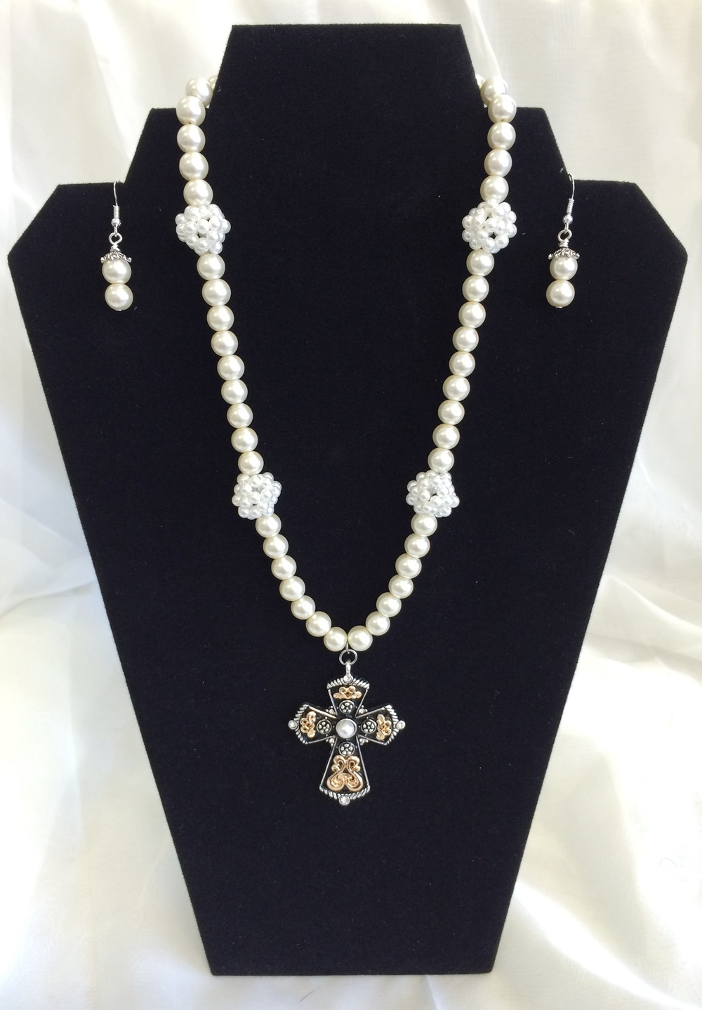 Designer Pearl Necklace $34.99