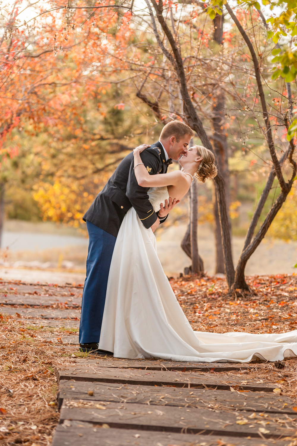wedding_day_couple_portraits_walkways_fall