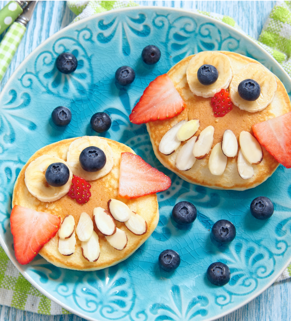 pancacke with fruit.png