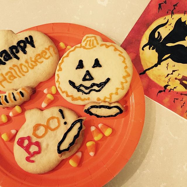 Boo!! ... and please have a 🍪 Happy Halloween from Berkeley, California #halloweenbaking #halloweencookies #berkeley #sweettreats #homemade #foodblogger #cookies #simple #yahoofood