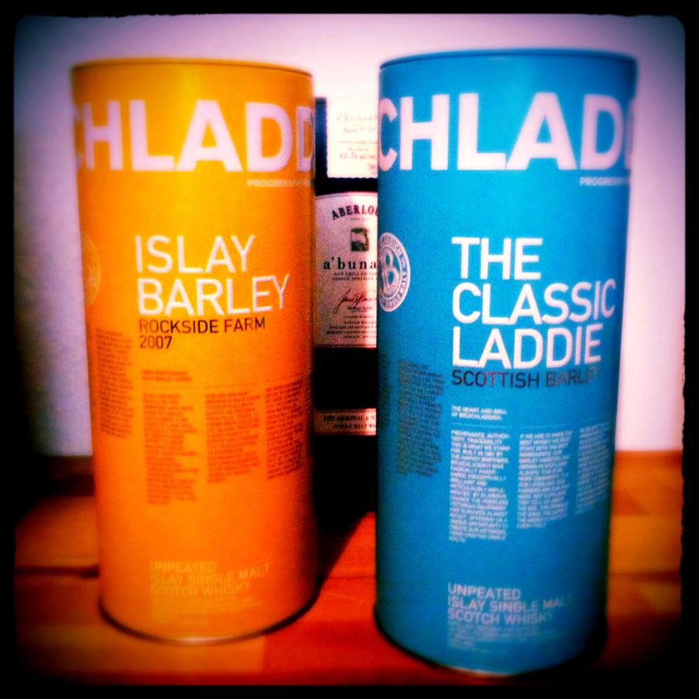 In stiller Eintracht: die beiden Laddies, einmal Islay-Gerste, einmal schottische Gerste