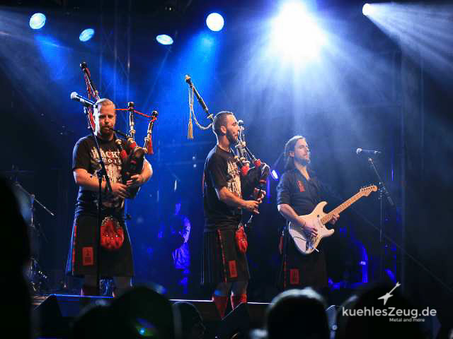 106 WOA2016 Red Hot Chili Pipers.jpg
