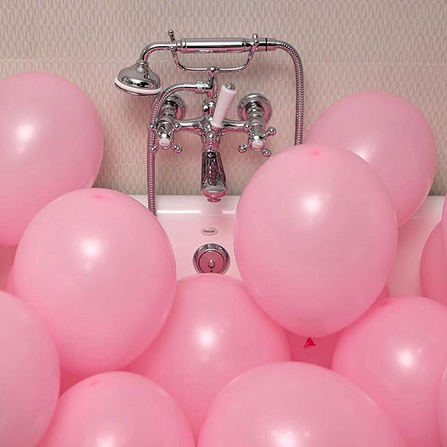 This is our type of bath ☺️🛁🎈 photo via @yeswayrose