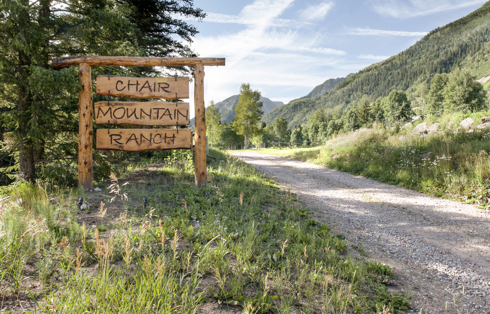 Chair_Mountain_RanchChair-Mountain-Ranch-sign.jpg