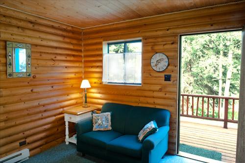 Cabin3-Livingroom2.jpg