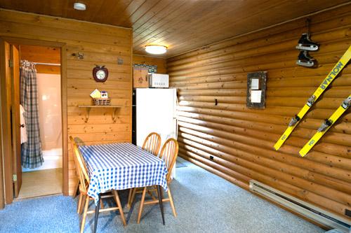 Cabin2-Livingroom1.jpg