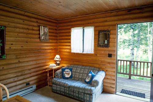 Cabin5-Livingroom2.jpg