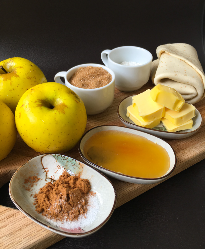 You can add nutmeg, cloves or anything else to spice it up. Any kind of apple is okay as well!