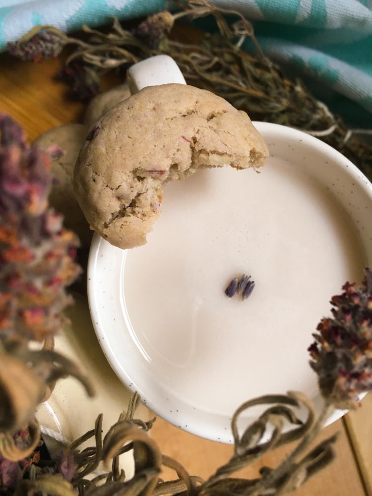 Un té con leche y estas galletas son tu excusa perfecta para tomarte un rato de descanso